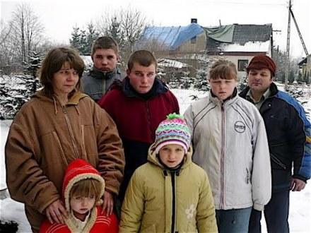 Siąkałowie przenieśli się do rodziny, ale liczą, że kiedyś wrócą do spalonego domu/ fot. Marian Fres /Gazeta Codzienna