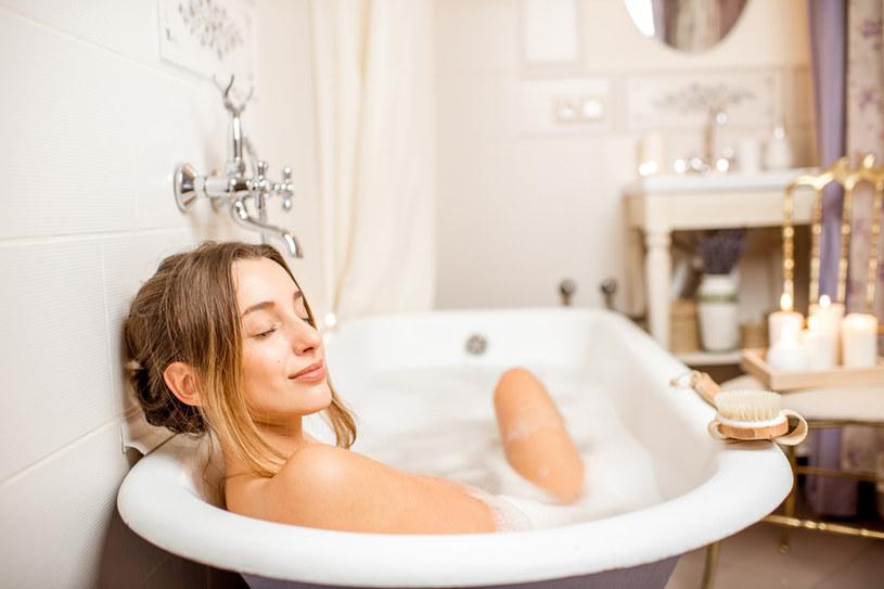 Siarczkową kąpiel można zafundować sobie w domu /123RF/PICSEL