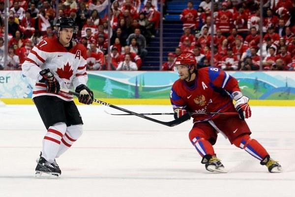 Sidney Crosby i Alexander Owieczkin /AFP