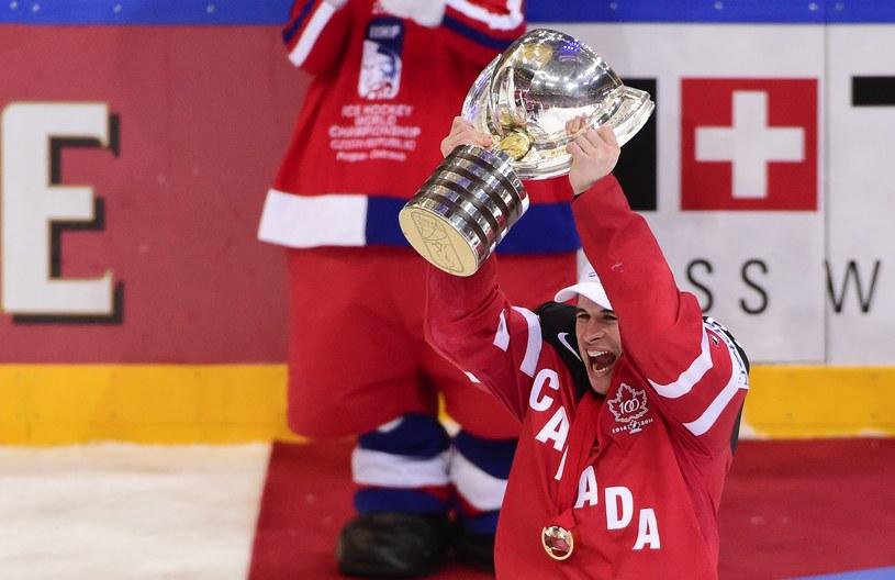 Sidney Crosby z Pucharem MŚ! /AFP