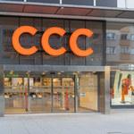Sieć zamknie sto sklepów, renegocjuje czynsze