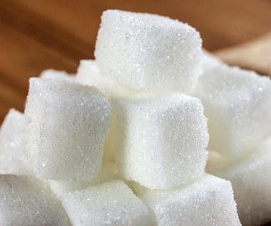 Siedem oznak zbyt dużej ilości spożywanego cukru