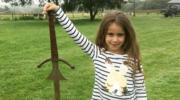 Siedmiolatka wyłowiła słynny miecz króla Artura?