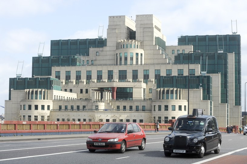 Siedziba główna brytyjskiego wywiadu w Londynie. /Wojciech Stróżyk /East News