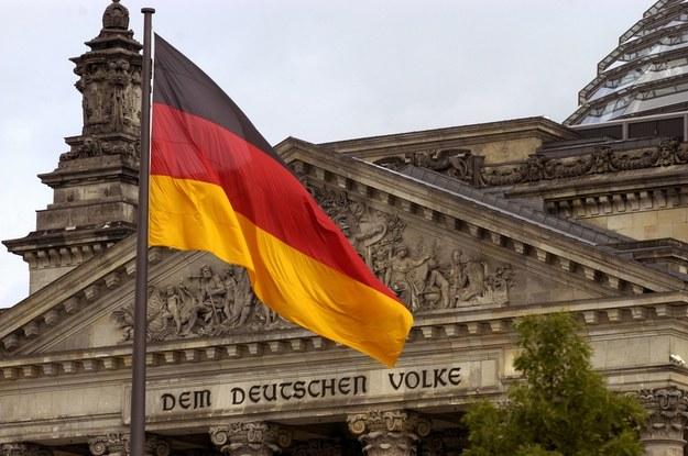 Siedzibą niemieckiego parlamentu jest gmach Reichstagu w centrum Berlina. /blickwinkel /McPHOTOs /PAP/DPA