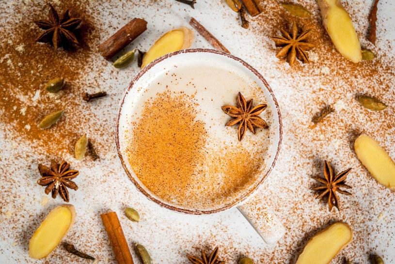 Sięgnij po aromatyczną kawę z imbirem! /123RF/PICSEL