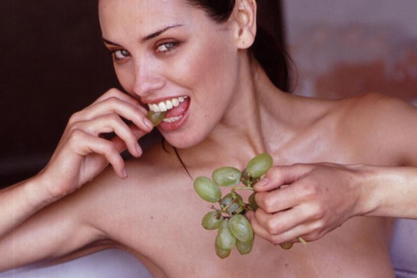 Sięgnij po świeże owoce i warzywa. Kondycja całego organizmu ulegnie dużej poprawie /East News