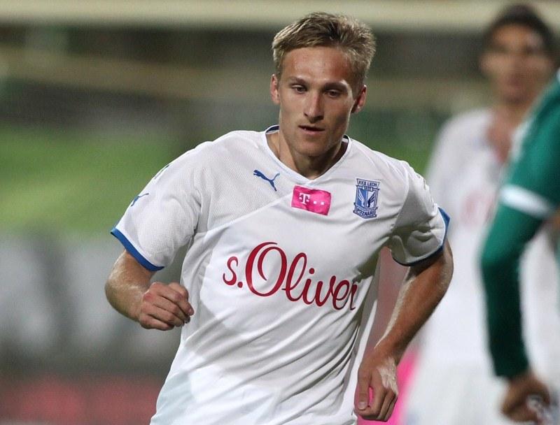 Siergiej Kriwiec ustalił wynik spotkania golem w 90. minucie /AFP