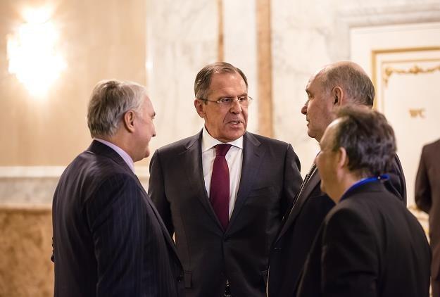 Siergiej Ławrow (w środku) /©123RF/PICSEL