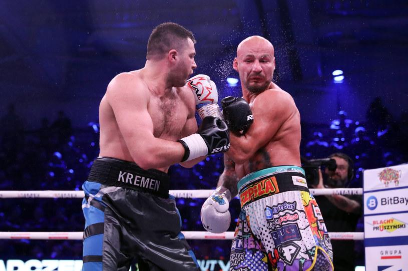 Siergiej Radczenko (z lewej) przegrał z Arturem Szpilką w kontrowersyjnych okolicznościach /PIOTR KUCZA/FOTOPYK / NEWSPIX.PL /Newspix