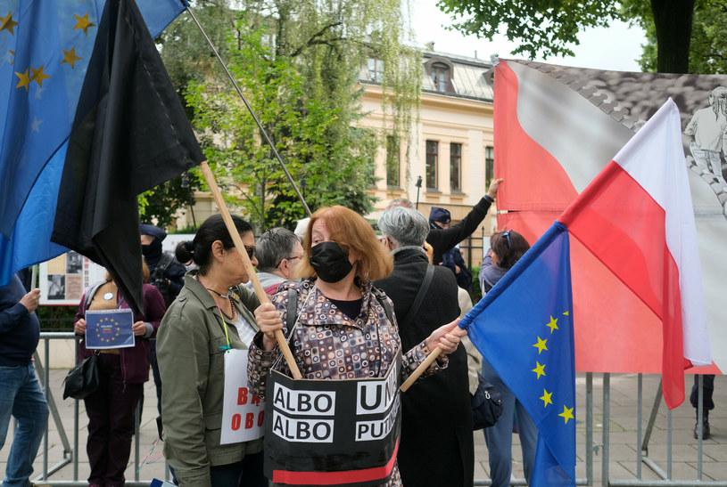Sierpniowa manifestacja zwolenników UE przed Trybunałem Konstytucyjnym /Mateusz Grochocki /East News