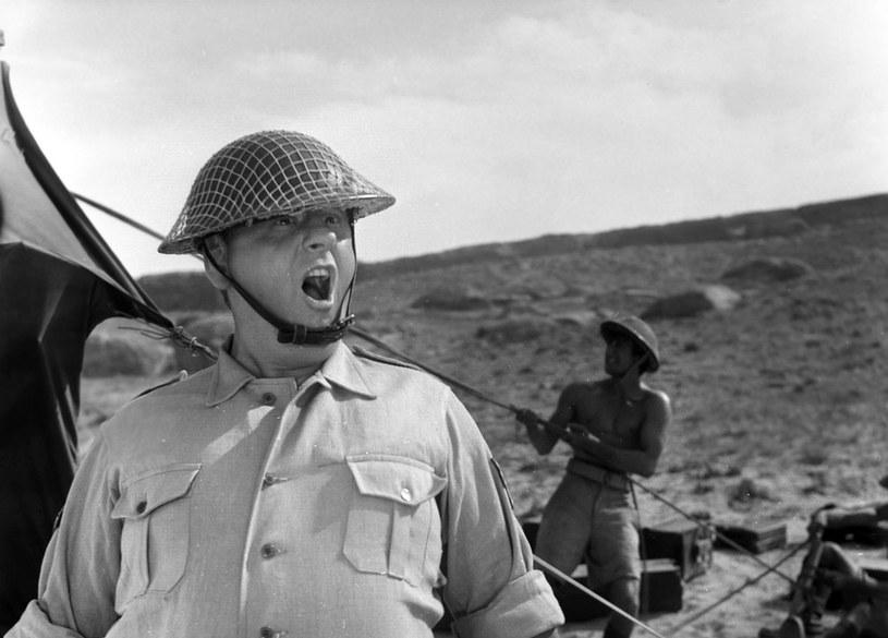 Sierżant Hopkins miał specyficzne podejście do działań wojennych. Dla niego świętością była... popołudniowa herbatka. /East News/POLFILM