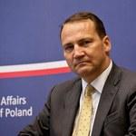 Sikorski daje zarobić dyktatorowi Białorusi