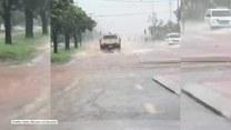 Silne opady deszczu i porywisty wiatr. Cyklon Kevin utrudnił jazdę kierowcom