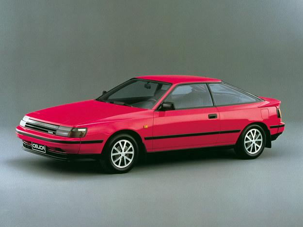 Silnik poprzecznie, w ofercie model Turbo 4WD, wielkie sukcesy rajdowe. /Toyota