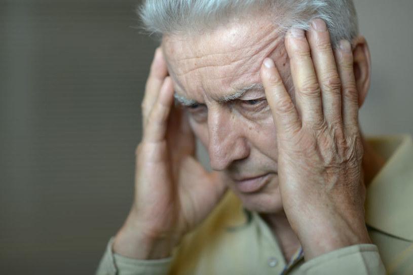 Silny ból głowy /©123RF/PICSEL