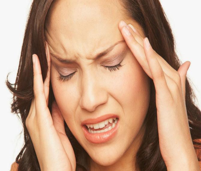 Silny ból głowy /© Photogenica