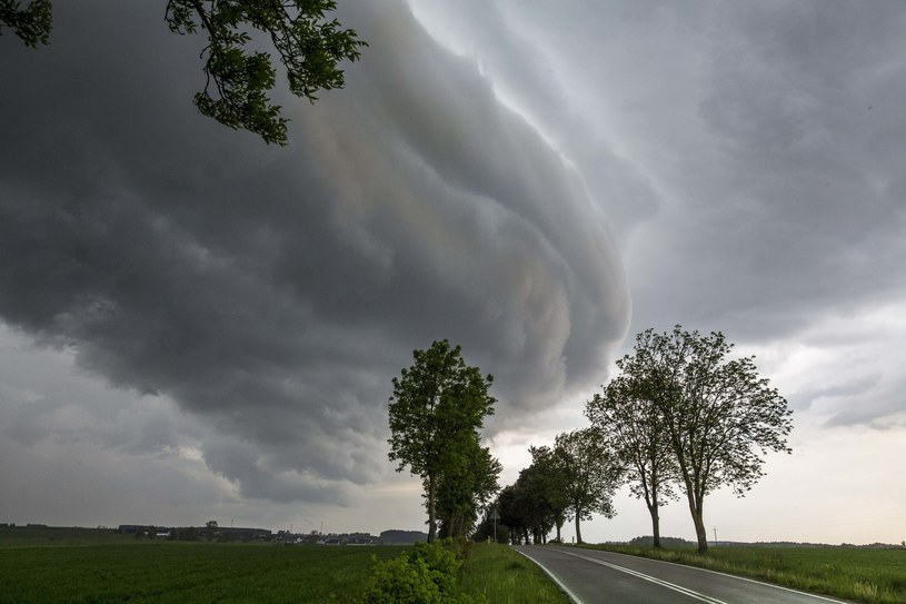 Silny wiatr i burze nad Polską, zdj. ilustracyjne /Marek Maliszewski  /Reporter