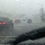 Silny wiatr i opady deszczu. W niedzielę maksymalnie 18 stopni