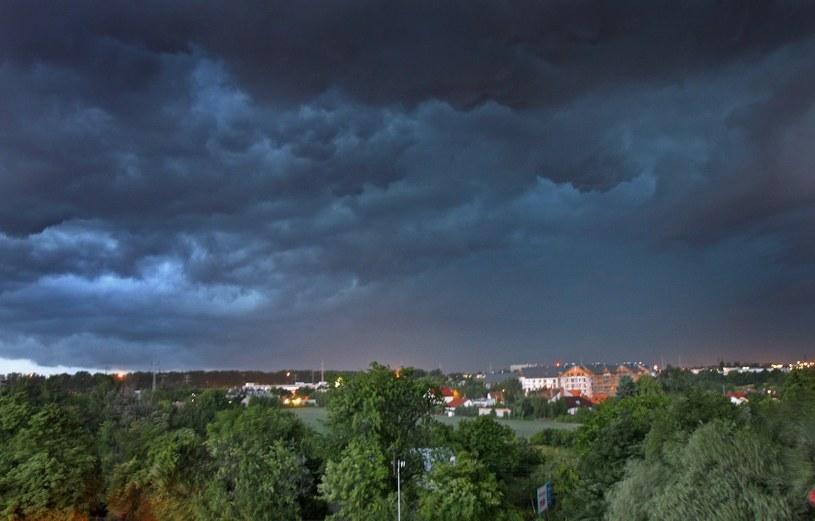 Silny wiatr. IMGW wydał ostrzeżenia dla niemal całej Polski /Wojciech Traczyk /East News