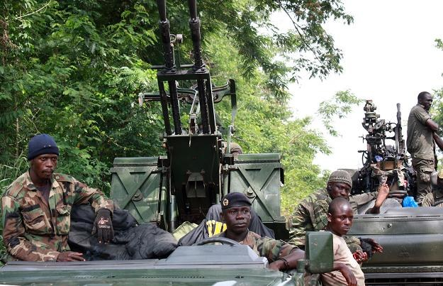 Siły popierające prezydenta Alassane Ouattarę /AFP