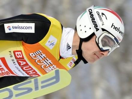 Simon Ammann wygrał niedzielny konkurs w Sapporo /AFP