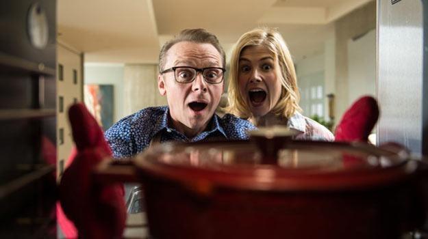 Simon Pegg oraz Rosamund Pike w poszukiwaniu szczęścia... /materiały dystrybutora