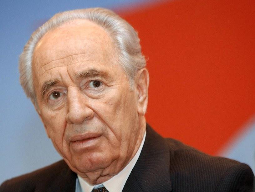 Simon Peres ostrzega przed nuklearyzacją Bliskiego Wschodu /AFP