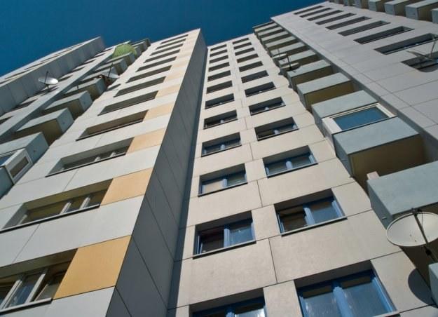 Singiel w Łodzi za srednią krajową będzie mógł sobie pozwolić na mieszkanie o powierzchni 47 m2. /© Panthermedia