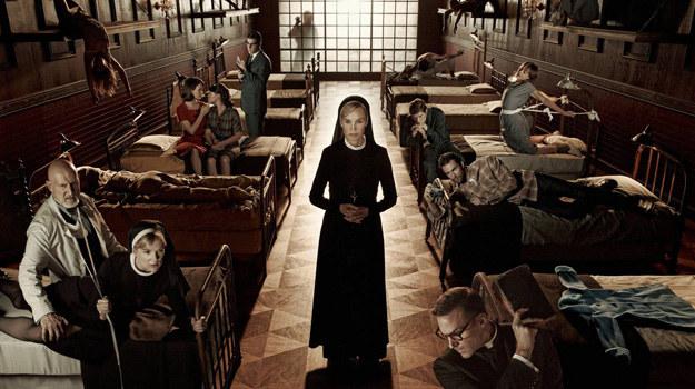 Siostra Jude (Jessica Lange) prowadzi zakład psychiatryczny dla obłąkanych. /materiały prasowe