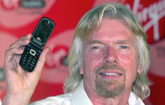 Sir Richard Branson - jego osoba niezmiennie łączy się z Virgin Mobile. Czy odwiedzi Polskę? /AFP