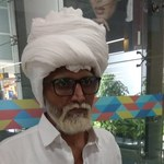 Siwa broda to za mało. 32-latek udający seniora wpadł na lotnisku w Delhi