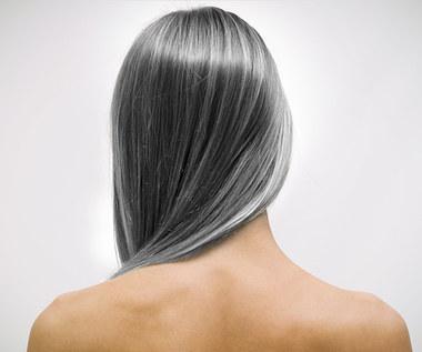 Siwe włosy - jak domowym sposobem im zapobiec?