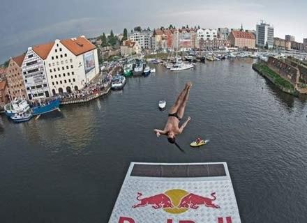 Skacze Orlando Duque, Gdańsk, 18 lipca 2009. Fot.: Red Bull /materiały prasowe