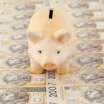 Skąd się biorą ujemne realne stopy procentowe?