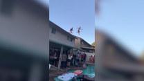 Skakali do basenu z dachu. Finał?