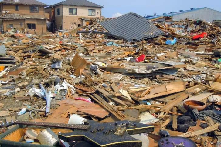 Skala zniszczeń trzęsienia ziemi, które nawiedziło Japonię w 2011 roku /materiały prasowe