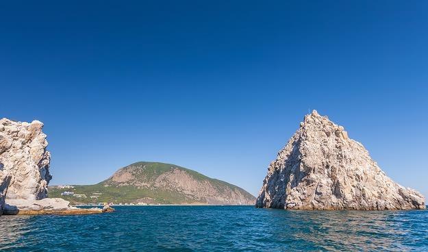 Skaliste wybrzeże Krymu /©123RF/PICSEL