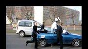 Skandaliczny wybryk uczniów. Udawali pijanego papieża