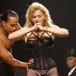 Skąpy kostium Madonny