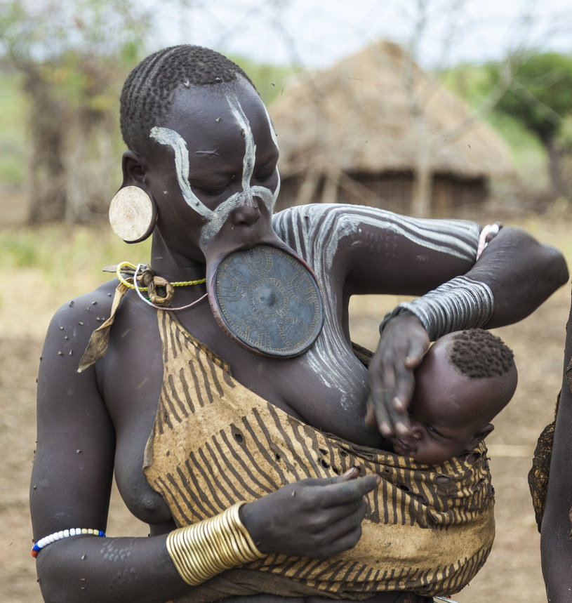 Skaryfikacja jest rozpowszechniona u afrykańskich plemion /123/RF PICSEL