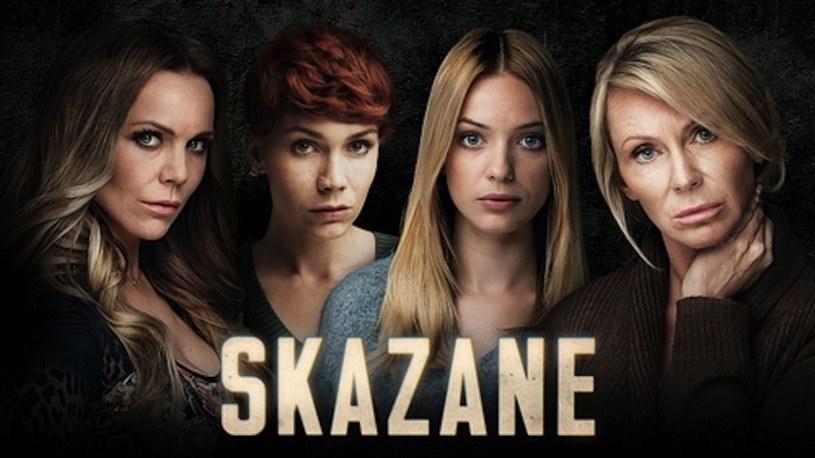 """""""Skazane"""": Propozycja telewizji Polsat była jednym z najbardziej interesujących polskich seriali 2015 roku. Historia czterech bohaterek została świetnie zrealizowana, a wcielające się w główne role aktorki - Monika Krzywkowska, Paulina Gałązka, Olga Bołądź, Beata Ścibakówna - błyszczały na ekranie. Serial został nakręcony na podstawie brytyjskiej serii """"The Priosners' Wives"""". /Polsat"""