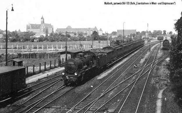 Skład pasażerski z polskim parowozem Ok1-172 pruskiej serii P8 na stacji w Malborku /Archiwum autora