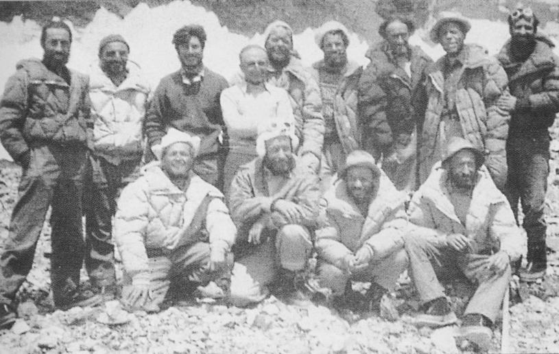 Skład włoskiej wyprawy na K2 z 1954 roku /Wikimedia Commons /domena publiczna