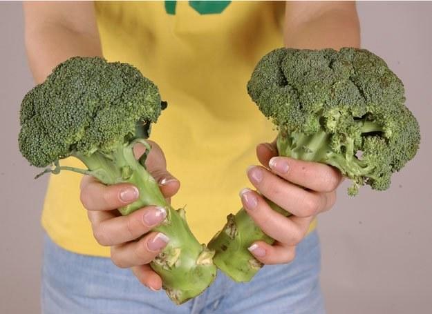 Składnik brokułów może znaleźć zastosowanie w prewencji i leczeniu raka piersi / fot. Arek Pawłowski /MWMedia