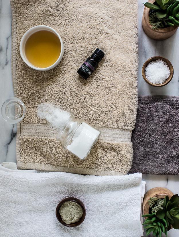 składniki do kąpieli /© Photogenica