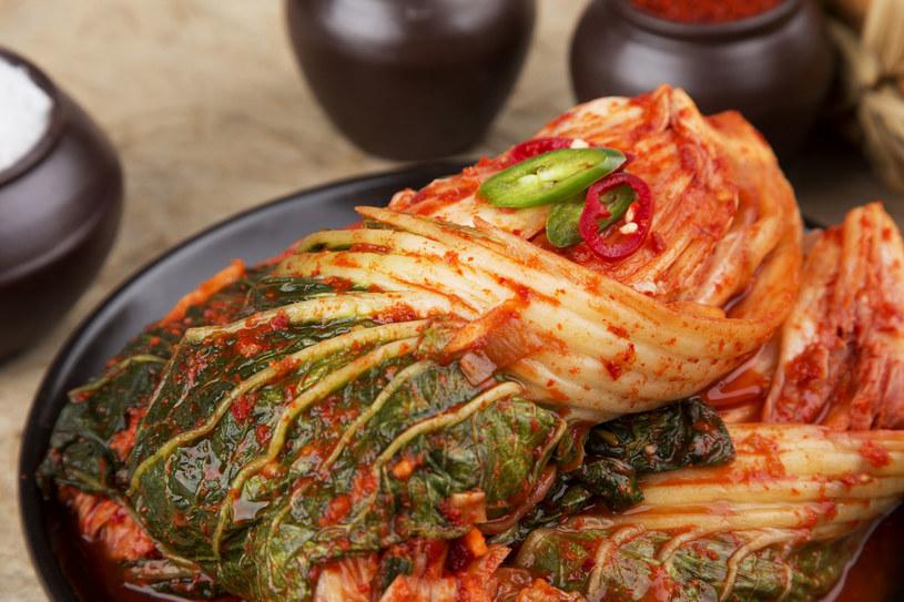 Składniki kimchi zaliczają się do probiotyków, które, jak wiadomo, fantastycznie wpływają na mikroflorę jelitową /123RF/PICSEL