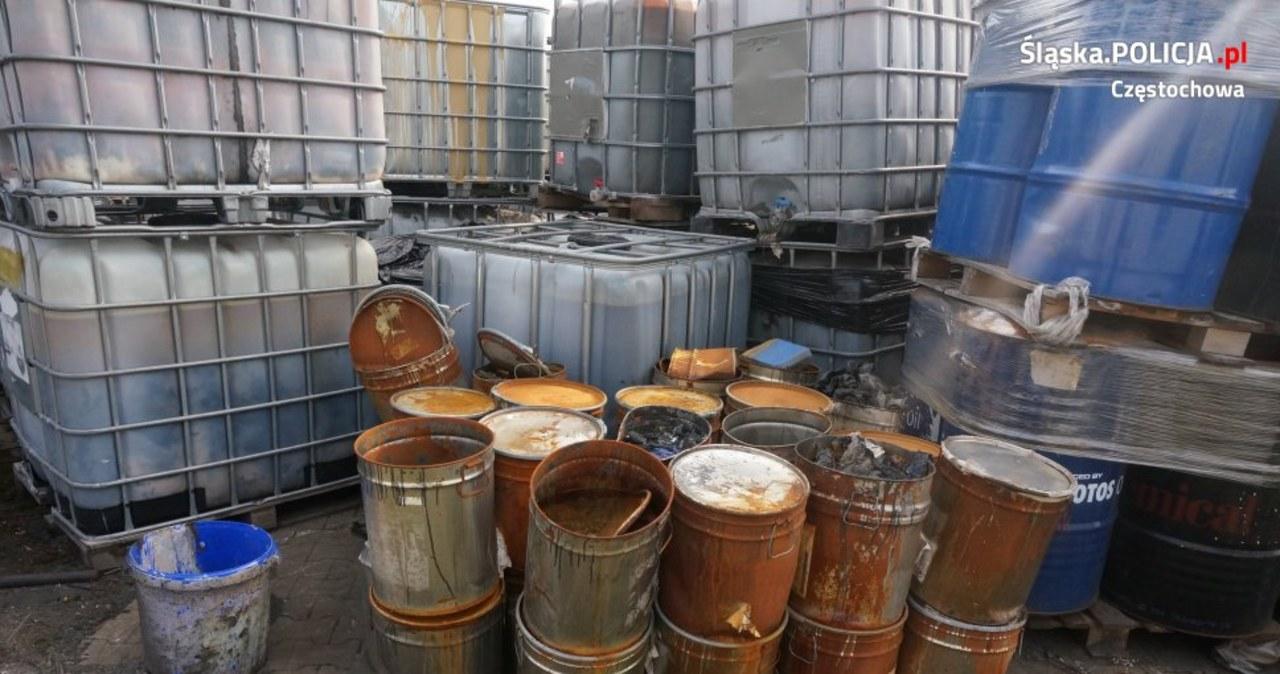Składowali nielegalnie miliony litrów niebezpiecznych substancji. Dwaj mężczyźni z zarzutami