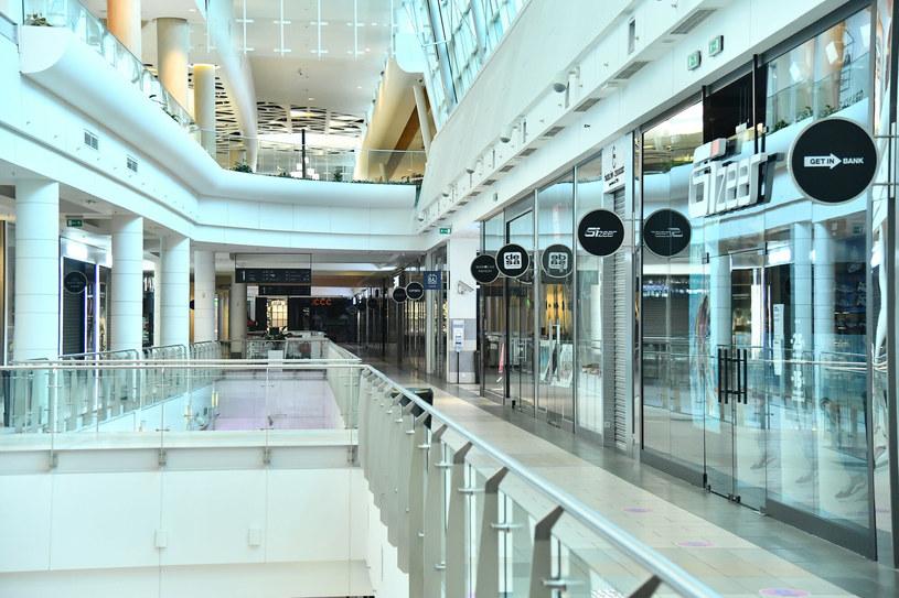 Sklepy w galeriach zamknięte aż do 31 stycznia? /Mateusz Jagielski /East News