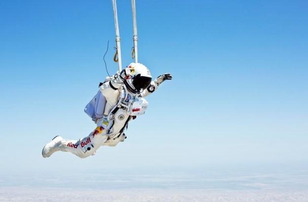 Skoczek pomknie z prędkością 1130 km/h.   Fot. Red Bull /materiały prasowe
